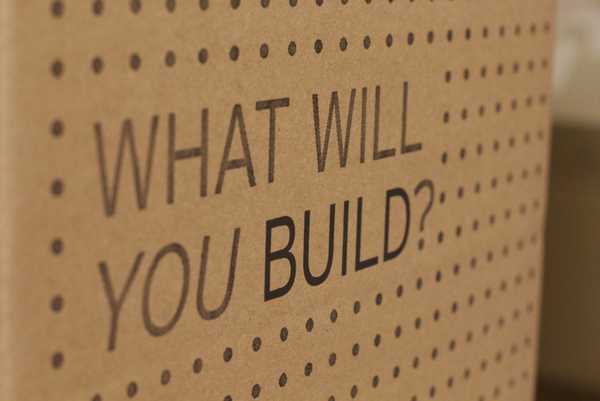 """What Will You Build?""投票箱"